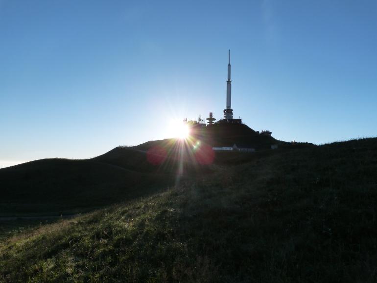 7h32... le soleil à l'assaut de l'antenne