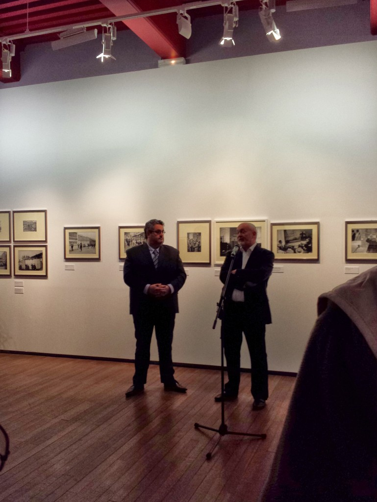 Pierre Borhan (d.), commissaire de l'exposition en compagnie d'Olivier Bianchi (g.), adjoint à la culture à la mairie de Clermont (et candidat officiel pour 2014 :))