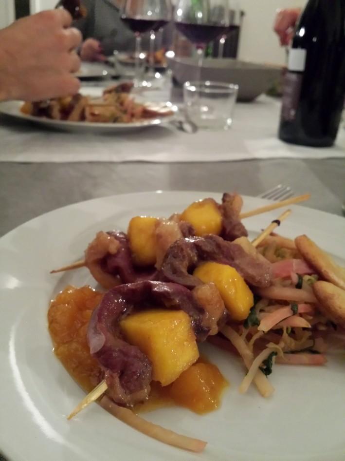 Le plat : un magret de canard qui ne mangue pas de piquant (teamcalembour)