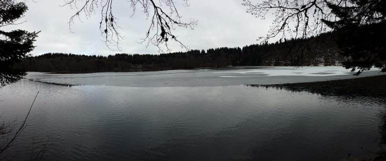 Le lac Pavin, inquiétant...