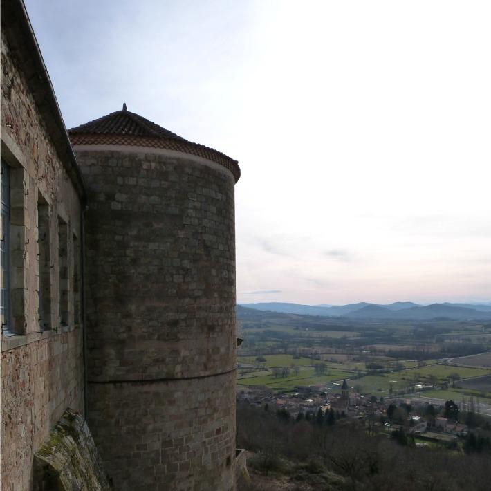tour_village