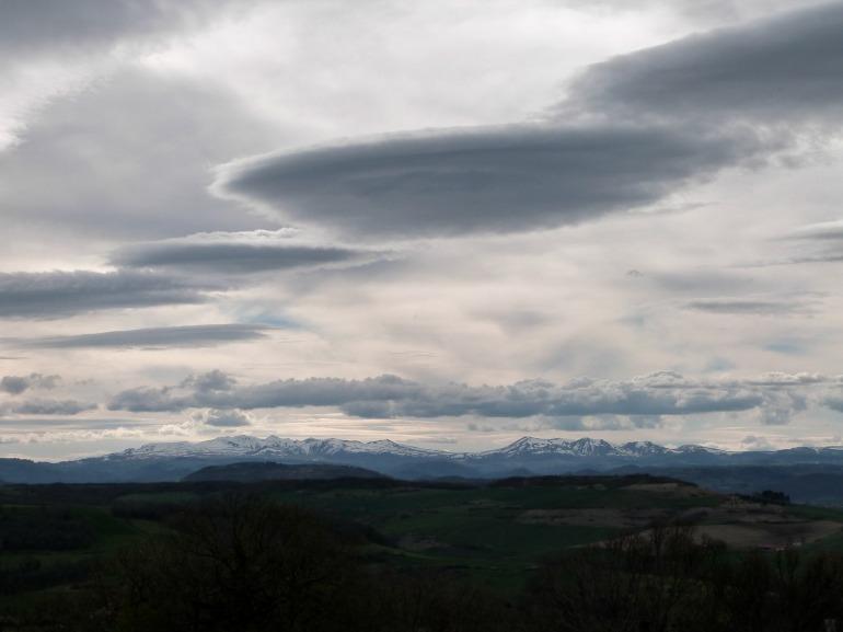 nuages_ovni